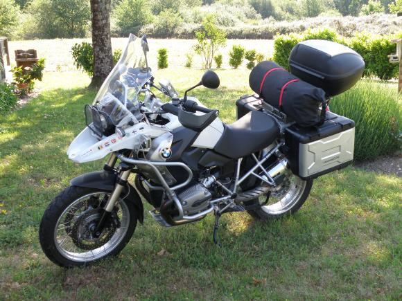 http://fjrbm.cowblog.fr/images/motoschargees/P5290037.jpg